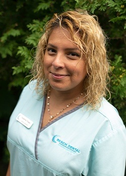 Dental Assistant Yessenia