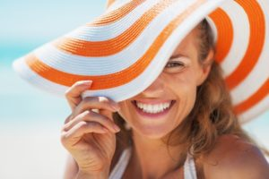woman with a summer-ready smile